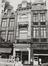 rue du Marché aux Herbes 109. Ensemble de maisons traditionnelles.