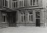 rue des Tanneurs 65. Anciens magasins Jules Waucquez & Cie. Archives de la Ville de Bruxelles, cour intérieure., 1980