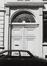 rue des Tanneurs 71, détail porte., 1980