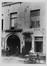 Quai aux Briques 30-34, détail porches n° 30-32, 1905