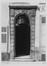 quai aux Briques 44, détail porche., 1905