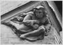 rue des Commerçants 30-32, détail sculpture, angle rue Van Gaver, 1984