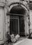 quai au Foin 15. Impasse Vanhoeter. Vestiges probables de l'Hôtel de Peuthy, détail accès à l'impasse Vanhoeter, 1978