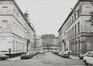 rue de l'Infirmerie, n° impairs. Immeubles quartier du Béguinage, vue vers la rue du Béguinage, 1978