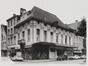 Sint-Katelijnestraat 46-48, hoek Oude Graanmarkt 2-4.  Traditioneel huis., 1971