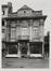 Sint-Katelijnestraat 46-48, hoek Oude Graanmarkt 2-4. Traditioneel huis., 1942
