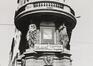 Boulevard Adolphe Max 28-34. Immeuble de rapport éclectique, détail caryatides et angle rue de la Fiancée 9, 1982