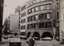 Rue du Fossé aux Loups 46-46B-48. Ancien siège de la Caisse Générale d'Épargne et de Retraite (CGER), vue depuis la rue Montagne aux Herbes Potagères, 1986