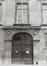 Rue du Marais 57. Hôtel de maître néoclassique, détail porche, 1980