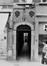 Ensemble rue du Marché aux Herbes 8-10, 16, 20, impasse des Cadeaux 1, 2, 3 et impasse Saint-Nicolas 1, 2, 5, portail rue du Marché aux Herbes entre 6 et 8., 1982
