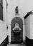 Ensemble rue du Marché aux Herbes 8-10, 16, 20, impasse des Cadeaux 1, 2, 3 et impasse Saint-Nicolas 1, 2, 5, porche muré en fond d'impasse., 1982