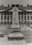 Place des Martyrs, monument à Jenneval, 1980