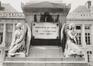 place des Martyrs. Immeubles de la place des Martyrs ainsi que le Monument aux Martyrs. Monument National ou Monument des Martyrs, détail, vue vers l'ouest., 1980