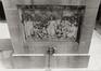 place des Martyrs. Immeubles de la place des Martyrs ainsi que le Monument aux Martyrs. Monument National ou Monument des Martyrs, détail base, vue vers l'est., 1980