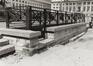 place des Martyrs. Immeubles de la place des Martyrs ainsi que le Monument aux Martyrs. Monument National ou Monument des Martyrs, escalier et grille de fer forgé., 1980