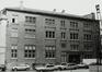 Rue du Persil 6-12. Immeubles de la place des Martyrs ainsi que le Monument aux Martyrs ; Temples de la loge Les Amis Philanthropes, façade latérale, 1981