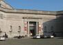 Entrée principale du Musée royal de l'Armée et d'Histoire militaire, façade conçue en 1909 par Charles Girault face à l'esplanade., 2007