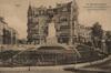 Vue du square des Combattants avec, au centre, le no 2-3 encore doté de son couronnement originel© AVB/FI W-6 (1925-1927)