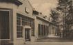 Tuinbouwersstraat, zuidgevel van de Lagere School, na 1948© SAB/IF W-284