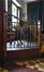 Parvis Notre-Dame 11, salon de consommation, détail du garde-corps, 2017
