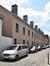 Hubert Stiernetstraat, woningen uit 2007-2008 langs het voormalig gemeentehuis Paleizenstraat over de Bruggen 458-462 , 2017