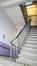 Rue Paul Janson 57, ancienne école des filles, bâtiment de 1927, cage d'escalier© ARCHistory / APEB, 2018