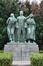 Boulevard Auguste Reyers, à l'angle de la place des Carabiniers, monument en mémoire des victimes civiles de la guerre, sculpteur Georges Vandevoorde, 1956, 2011