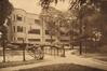 Place de Jamblinne de Meux, Institut de la Vierge Fidèle, le Cours Sainte-Anne en 1962© ACS/Urb. 64-14 (1962)