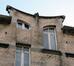 Rue Camille Simoens 28, couronnement des travées centrales, 2014