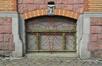 Rue Renkin 90-92, fenêtre du soubassement, 2013
