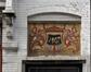 Rue de la Consolation 67, sgraffite surmontant la porte, 2012