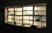 Rue Monrose 33-35, vitrail de l'ancien réfectoire-vestiaire, 2012