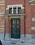 Rue du Tournoi 34, porte d'entrée sous baies d'imposte jumelées par trois, 2016