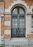 Avenue Victor Rousseau 11, fenêtre à gauche du rez-de-chaussée et signature de l'architecte, 2016