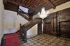Rue Royale 288, cage d'escalier avec portique représentant les quatre évangélistes daté de
