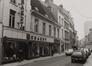 rue Haute 153 à …, vue vers la place de la Chapelle., 1980