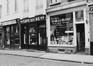 rue des Chapeliers 34, 36, 38, détail devantures, 1980
