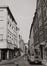 rue des Éperonniers, vue depuis la rue Marché aux Fromages vers la rue Marché aux Herbes, 1980