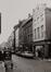 rue de Flandre,  n° pairs. Maison traditionnelle, aspect rue depuis l'impasse du Gril vers la place Sainte-Catherine., 1978