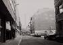 Voorlopig Bewindstraat, zicht vanuit Koningsstraat., 1984