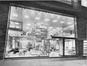 Boulevard Émile Bockstael 16-18, rez-de-chaussée, («S.A. Union Commerciale des Glaceries Belges», La Maison, 1, 1963, p. XIII)