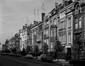 Avenue Eugène Demolder, vue du premier tronçon côté pair vers la place Eugène Verboekhoven, © Régie des Bâtiments