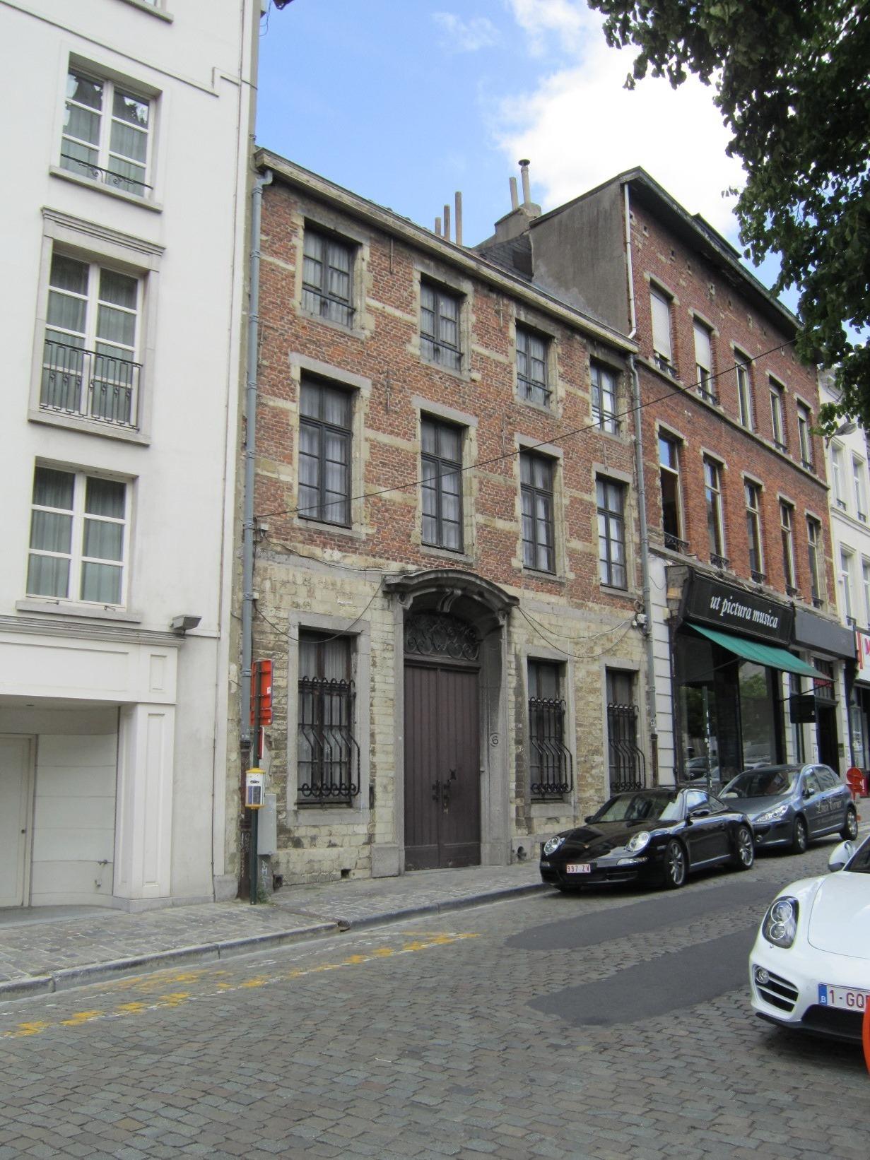 Rue Bodenbroek 6. Presbytère de la paroisse Notre-Dame du Sablon., 2015