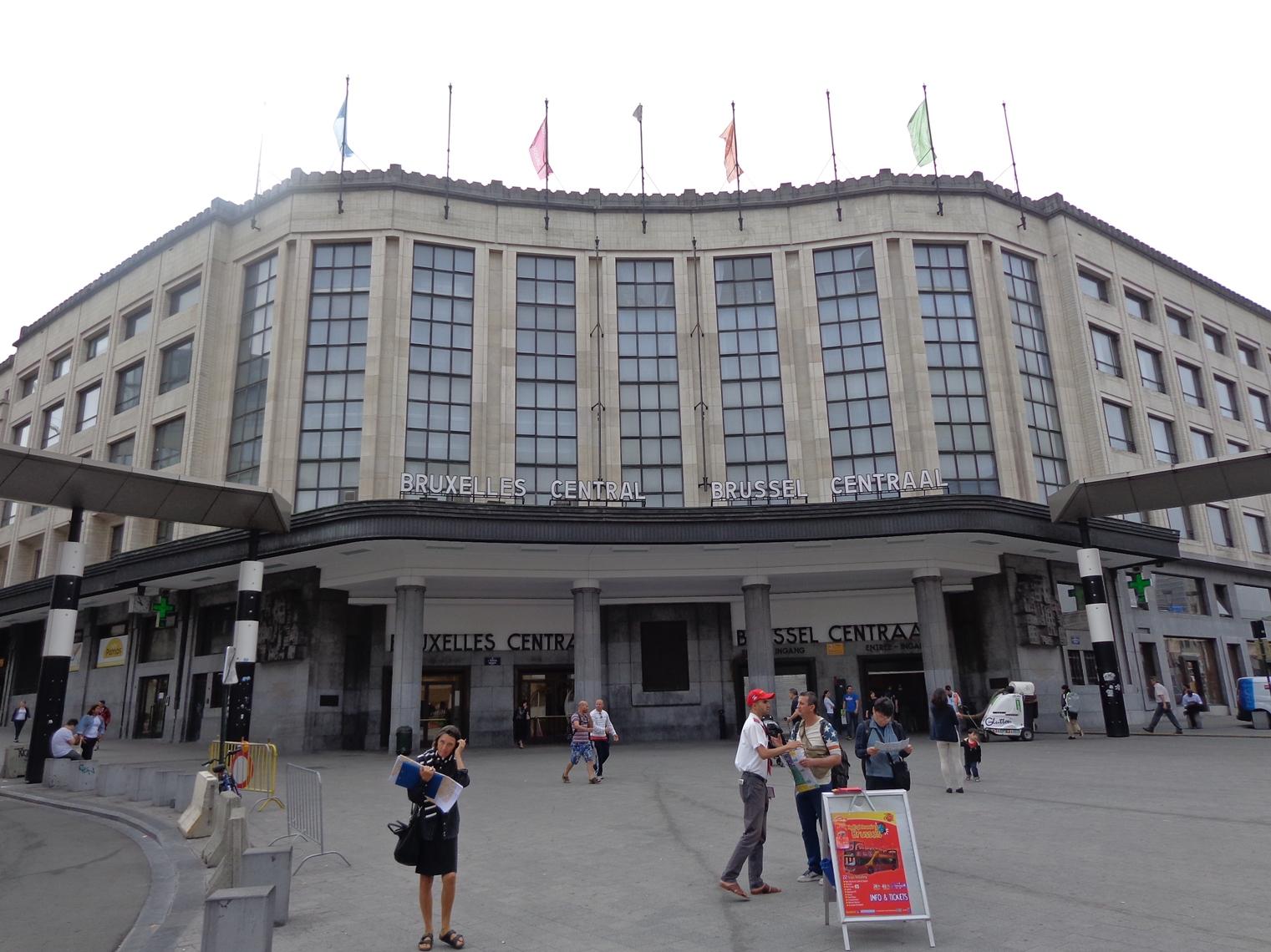 Gare Central, côté Carrefour de l'Europe, 2015