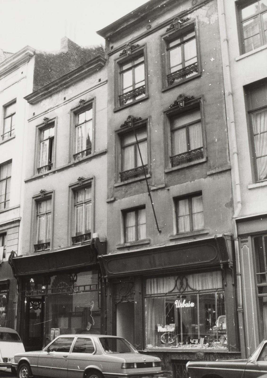 rue de Namur 35, 33., 1981