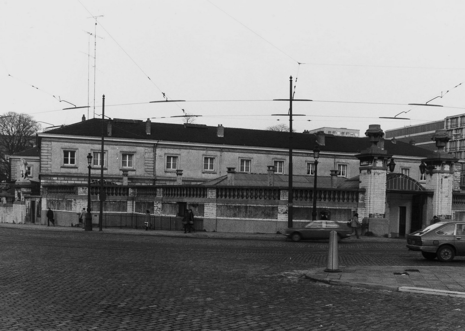 rue Ducale 1, place du Trône, Palais des Académies. Écuries du Roi., 1981