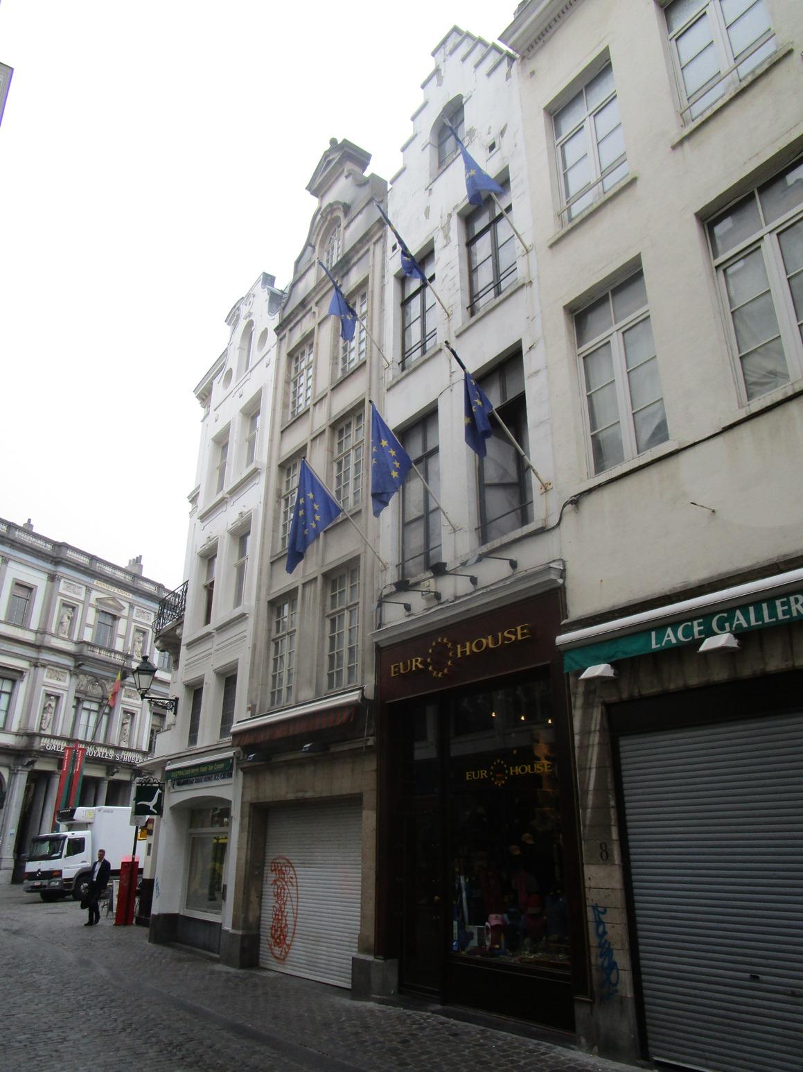 Rue de la Colline 6, 2015