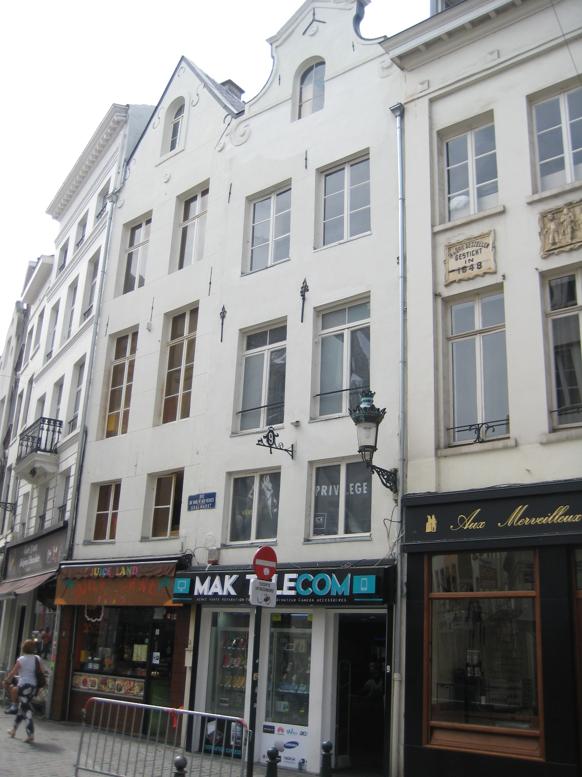 Rue du Marché aux Herbes 9, 2015