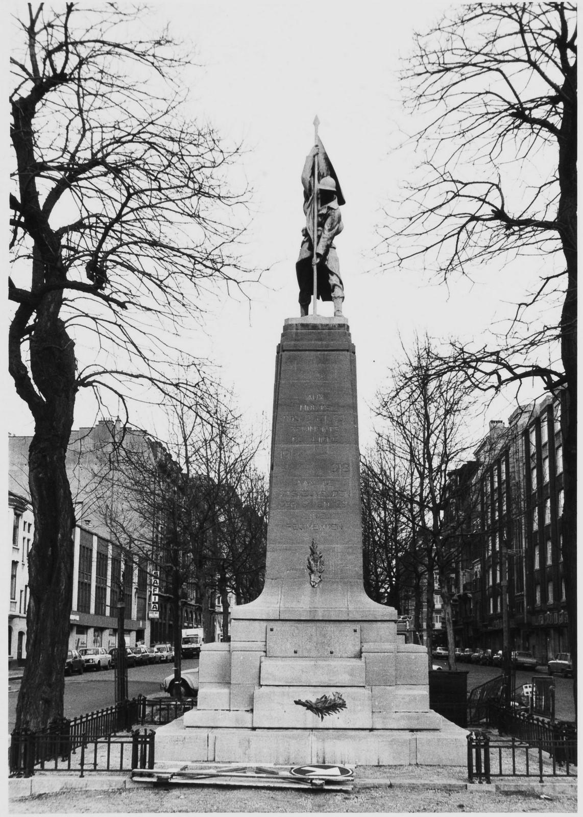 Diksmuidelaan. Oorlogsmonument 1914-1918 voor de 9de en 29ste Linie., 1984