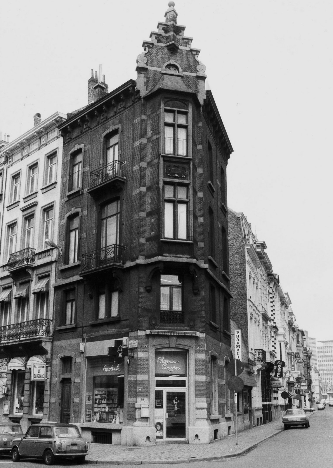 rue du  Congrès 54-56, angle rue du Nord., 1981